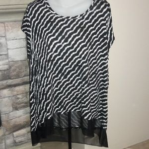 Womens sz 1x jennifer lopez stylish top